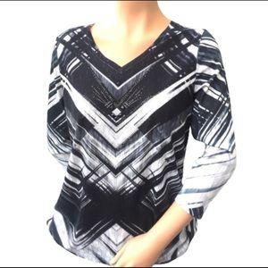 Black and white 3/4 sleeve top rhinestuds